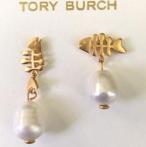 Tory Burch Fish Bone Pearl Mismatch Earings
